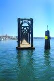 在埃弗里特港的浮动客人系泊  免版税库存图片