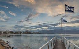 在埃拉特,以色列亚喀巴海湾和度假旅馆的早晨视图  免版税图库摄影