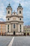 在埃格尔,匈牙利中间的Minorite教会 库存照片