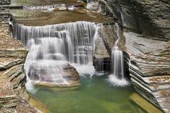 在埃菲尔德小河的小瀑布 库存照片