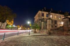 在城堡前面的红绿灯在ev的富尔达德国 免版税图库摄影