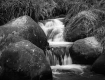 在城堡坎伯附近的小河 库存照片