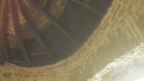 在城堡墙壁上的木车棚 股票录像