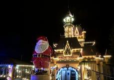 在城堡夜场面的圣诞节 库存图片