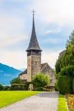 在城堡教会的看法在施皮茨-瑞士 免版税库存照片