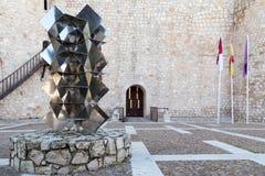 在城堡正方形的雕塑 库存图片