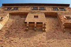 在城堡的大厦 Pernstejn城堡是在一个岩石的一座城堡在Nedvedice上村庄  图库摄影