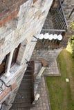 在城堡的室外婚礼 库存照片