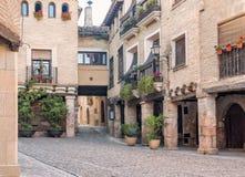 在城堡的街道在Alquezar西班牙 库存照片