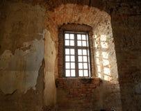 在城堡的视窗 免版税库存照片