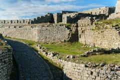 在城堡-一座古老城堡的废墟的看法里面,斯库台,阿尔巴尼亚 免版税库存照片