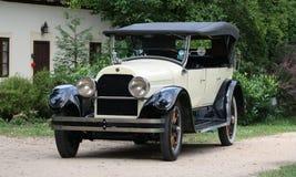 在城堡Loucen的经验丰富的车 捷克2012年7月7日 库存图片