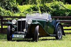 在城堡Loucen的经验丰富的车 捷克2012年7月7日 免版税库存照片