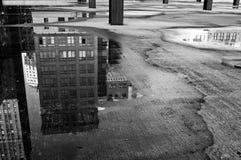 在城市之下 免版税图库摄影