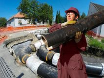 在城市加热系统的设施的建筑工作 免版税库存图片