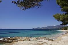 在城市十字架报Volmer,彻特d'Azur,普罗旺斯,南法国附近的Gigaro海滩 库存图片