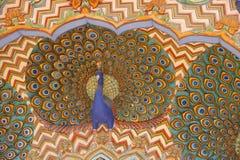 在城市宫殿的华丽孔雀门面,斋浦尔,印度 库存照片