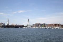 在城市波士顿大量的Zakim桥梁 图库摄影