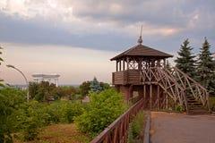 在城市的日出,早晨文化,建筑学风景纪念碑  免版税图库摄影