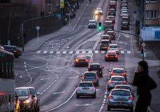 在城市街道上的交通 库存图片