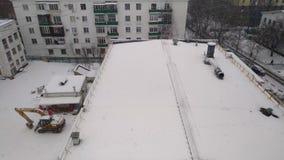 在城市街道上的降雪 股票视频