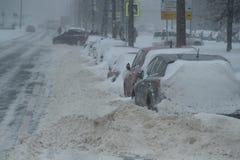 在城市街道的降雪 免版税库存图片