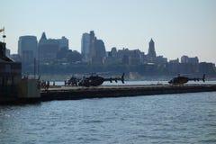 在城市飞剪机40的水天2014年城市 库存图片