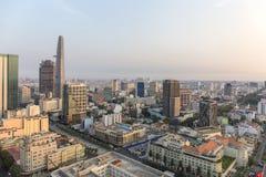 在城市,胡志明市的日落 免版税库存照片