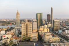 在城市,胡志明市的日落 免版税库存图片