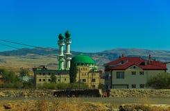 在城市Karakocan附近的清真寺 库存照片