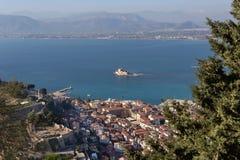 在城市Nafplion希腊,伯罗奔尼撒的看法 免版税图库摄影