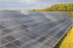 在域的太阳电池板 库存图片