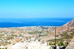 在基克拉泽斯希腊欧洲从小山的村庄 免版税库存照片