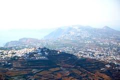 在基克拉泽斯希腊santorini欧洲海和小山 免版税库存图片