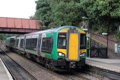 在基德明斯特的类172 turbostar dmu火车 库存图片