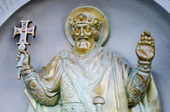 在基督徒圣洁者墙壁上的雕塑  免版税库存图片