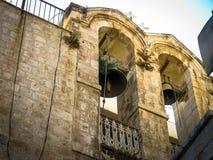 在基督徒处所的钟楼老耶路撒冷 免版税库存图片
