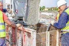 在基础模子的倾吐的钢筋混凝土 免版税库存照片