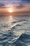 在基韦斯特佛罗里达海洋水的美好的日落  免版税图库摄影