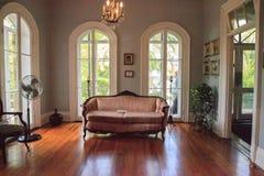 在基韦斯特岛横卧欧内斯特Hemingway's议院客厅  库存照片
