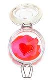 在堆的一红色心脏在开放瓶子的心脏 库存图片