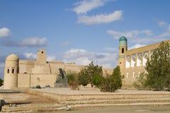 在堡垒前面的区域在老城Khiva,乌兹别克斯坦 库存照片