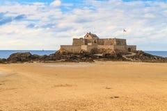 在堡垒国民,法国的圣马洛湾视图 库存照片
