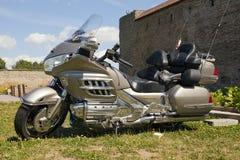 在堡垒疆土显示摩托车NARVABIKE 2010年7月18日在纳尔瓦,爱沙尼亚 免版税库存图片