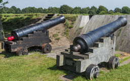 在堡垒Bourtange的佳能 免版税图库摄影