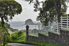 在堡垒duvernette岩石圣文森特和格林纳丁斯的全景 图库摄影