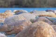 在堤防的石头 库存照片