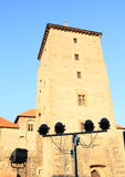 在塔前面的光在Svihov城堡 免版税库存图片