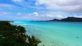 在塔希提岛法属玻里尼西亚太平洋水天堂的美好的狂放的自然4k空中全景海景视图 股票视频