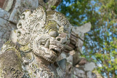 在塔曼Ayun寺庙的巴厘岛雕象 免版税库存图片